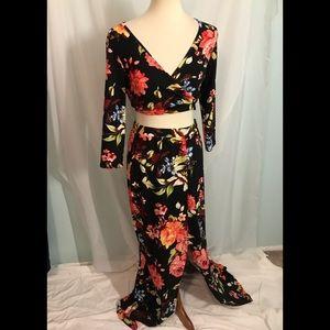 Dresses & Skirts - 2 Piece Floral Maxi